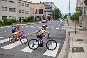 kids-biking-to-school